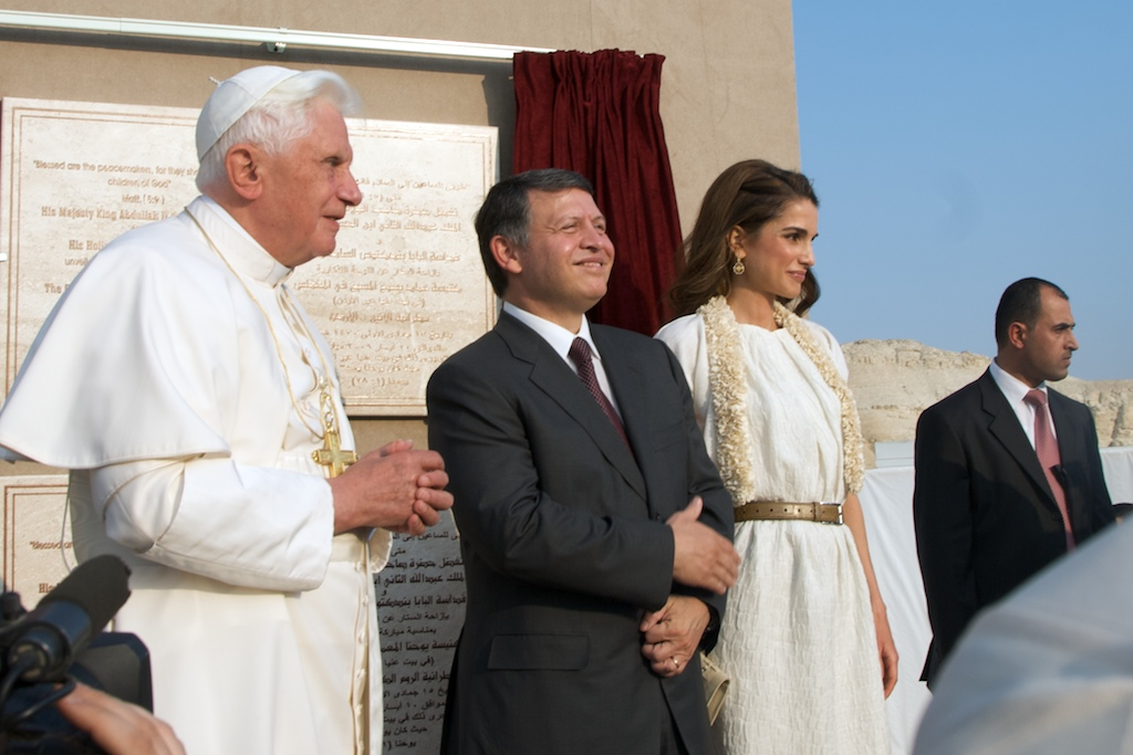pope-benedict-xvi-001